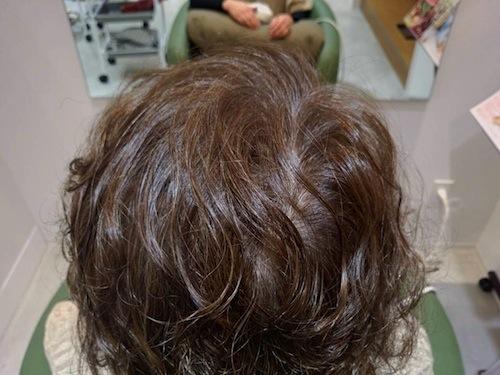 カラー施術後の後頭部